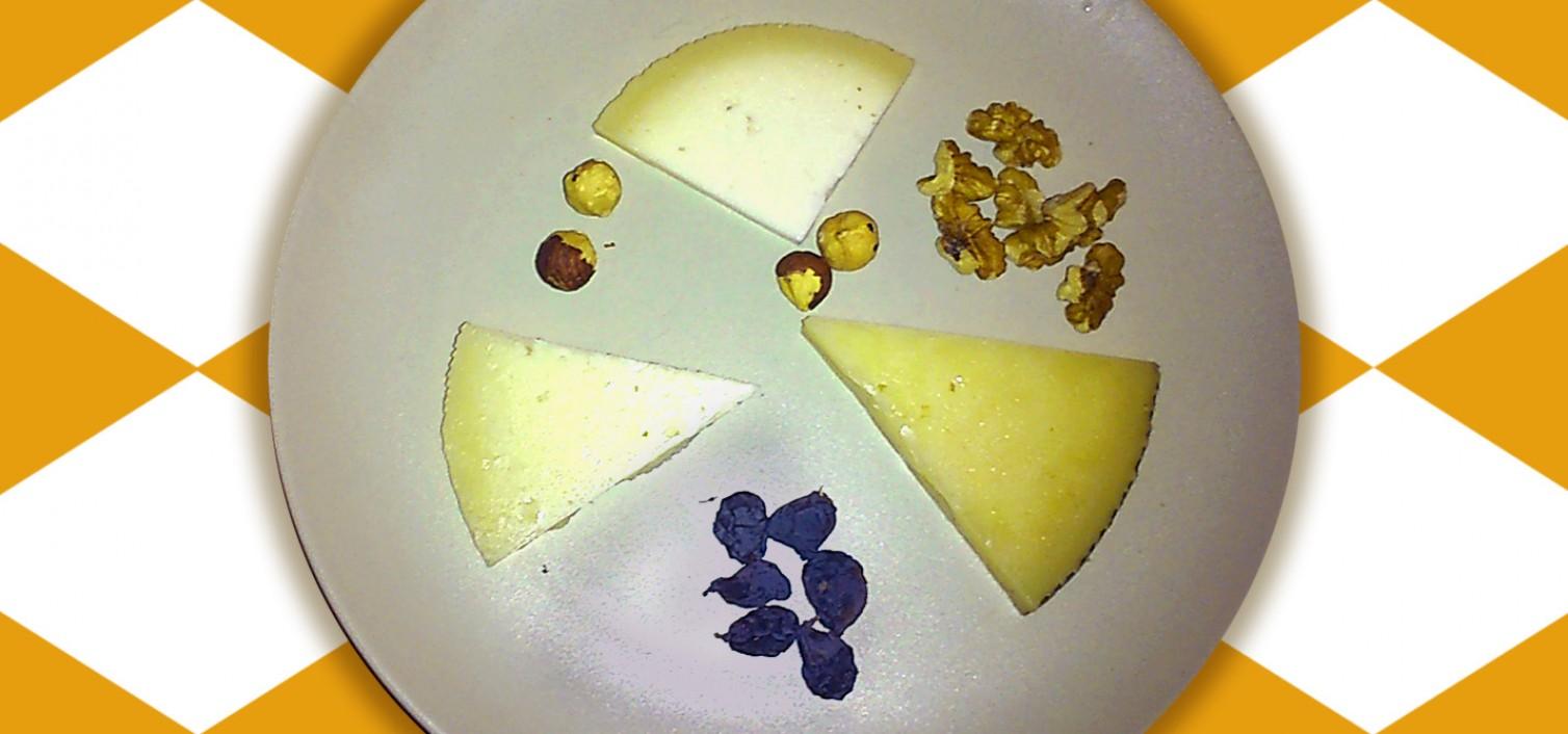 Plato de tres quesos artesanales