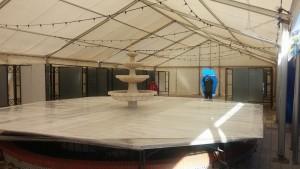 En el centro de la plaza se ha prepardo ya un plato con 50 metros cuadrados de superficie.