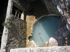 Baños de aguas sulfurosas en Vilo (Periana)