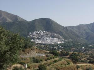 Vista del pueblo de OJén.