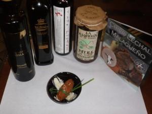 Aceite de oliva, vino, miel, queso y carne de chivo elaborados en Málaga.