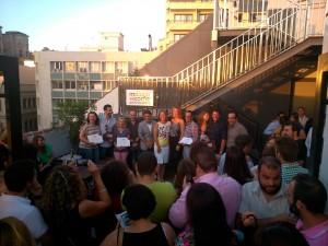 Finalistas y jurado del concurso fotográfico en la terraza del hotel Molina Lario.
