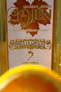 cóctel de aguardiente de chumbo con naranja