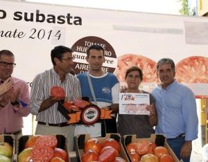 ganador del concurso al mejor tomate