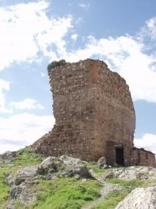 La Torre de la Vela es el principal vestigio de lo que fue el castillo de Almogía.