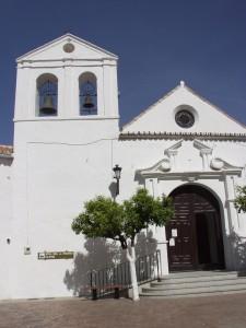 Frente a la iglesia del Rosario, se celebra la Fiesta de la Castaña.