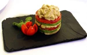 El tomate huevo de toro es muy versátil en la cocina.
