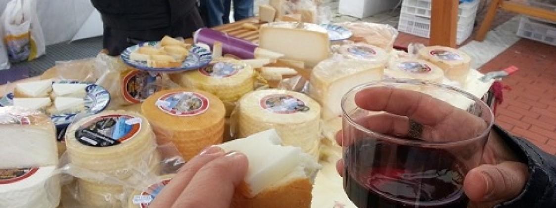 Mercado del Queso Artesano de la Cabra Malagueña y Vino de la Axarquía 2019
