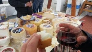 Expositor de quesos en el mirador de la Cancula.