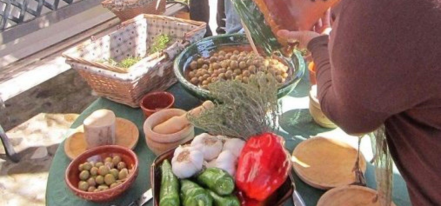 Aliño de aceitunas aloreñas de Málaga