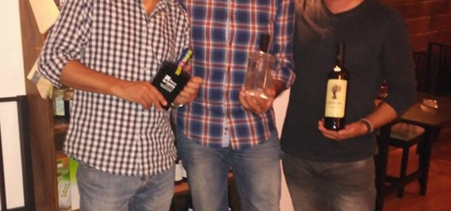 Ricardo Pastor, Javier Almellones y Sergio Cruz, en el restaurante La Luz de Candela.