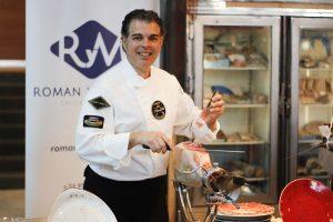 Entre los participantes, estuvo uno de los cortadores de jamón más prestigiosos.