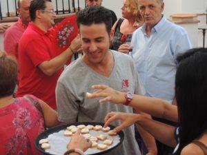 Degustación de porra blanca en la Fiesta del Ajoblanco.