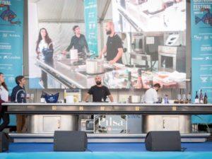 Demostraciones de cocina en vivo.