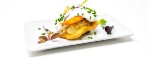 Mordisco de Mar, Rosada y Langostino Frito con Cebolla Caramelizada , Mayonesa y Micromezclum (Bodegón Casa Antonio)